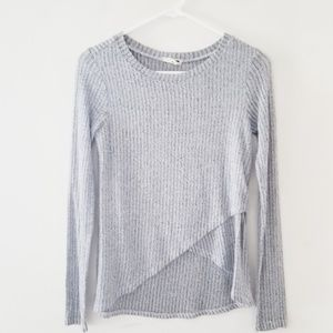 LA Hearts sweater with high low hems